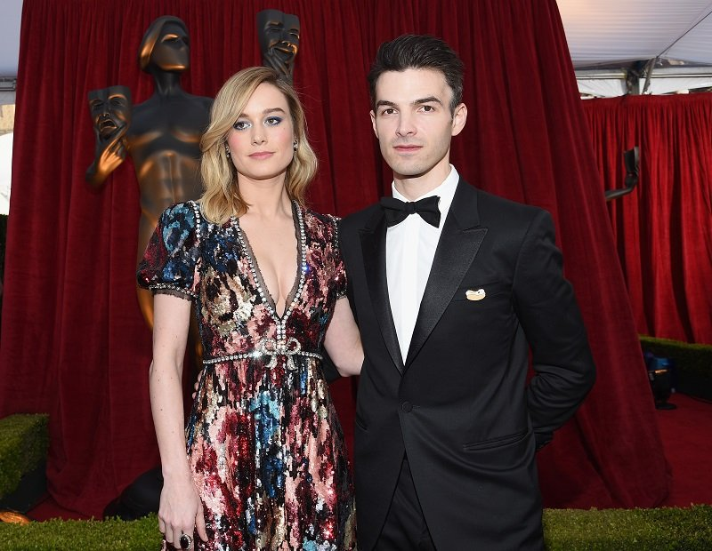 Brie Larson and Alex Greenwald on January 21, 2018 in Los Angeles, California   Photo: Getty Images