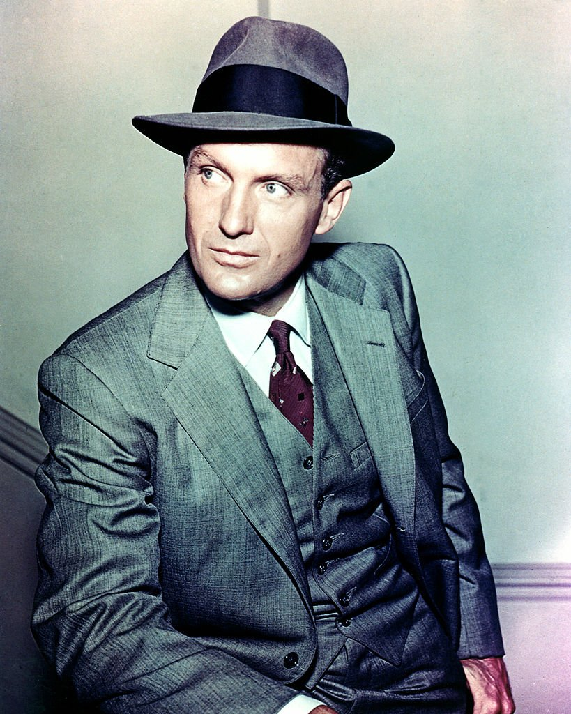 """Robert Stack (1919 - 2003) stars as Special Agent Eliot Ness in the television series """"The Untouchables,"""" circa 1960 