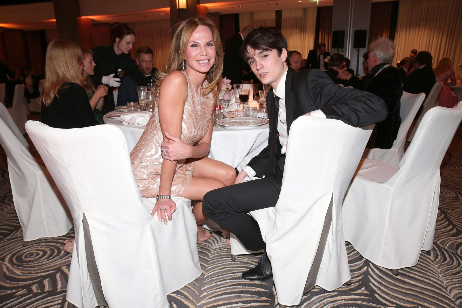 Rosalie Van Breemen et son fils Alain-Fabien Delon | Photo : Getty Images