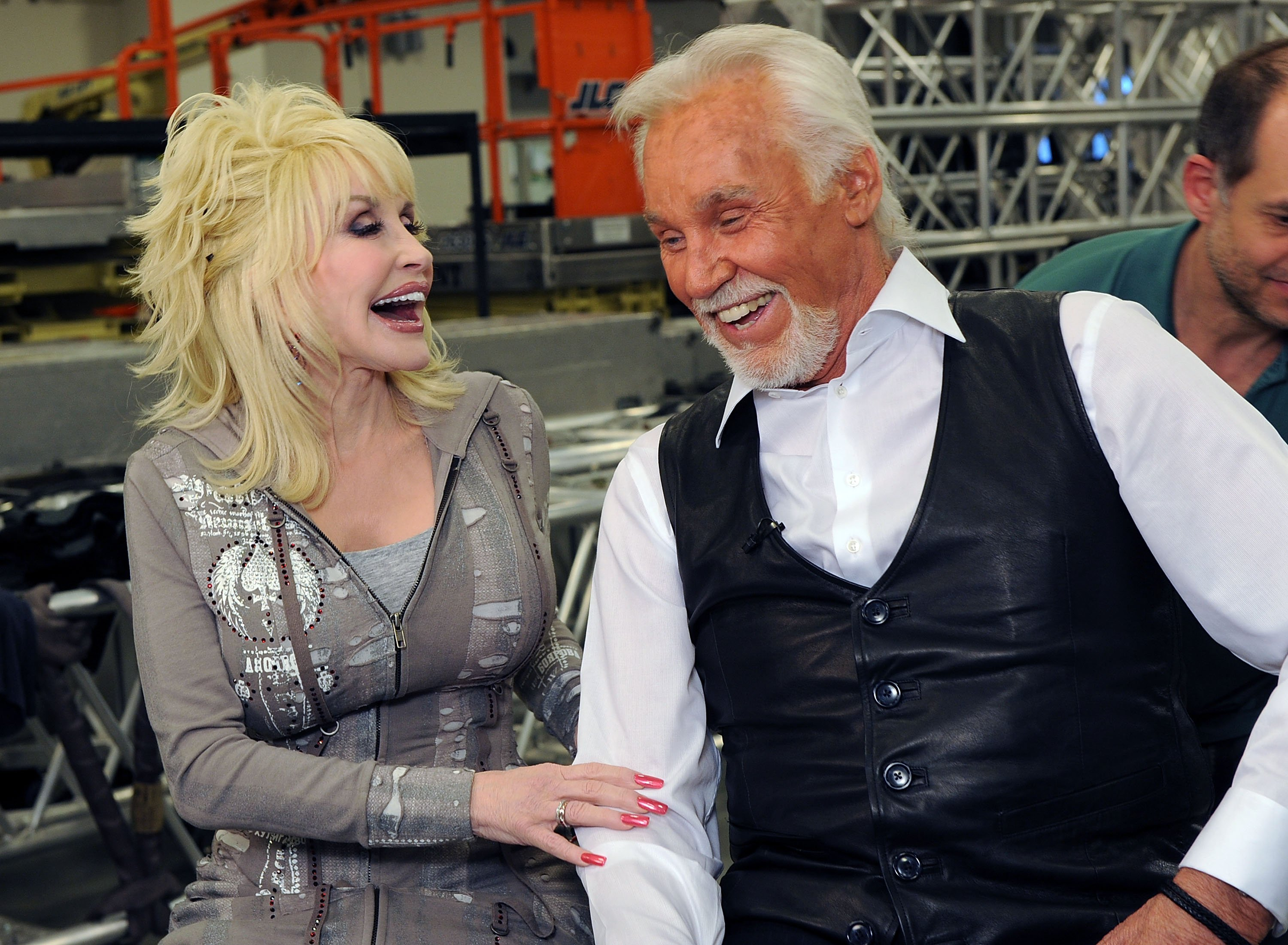 Dolly Parton and Honoree Kenny Rogers Backstage at the Kenny Rogers: The First 50 Years show at the MGM Grand at Foxwoods on April 10, 2010 in Ledyard Center, Connecticut | Photo: GettyImages