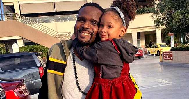 Darius McCrary from 'Family Matters' Melts Hearts as He Snuggles with Daughter Zoey in Sweet Photo