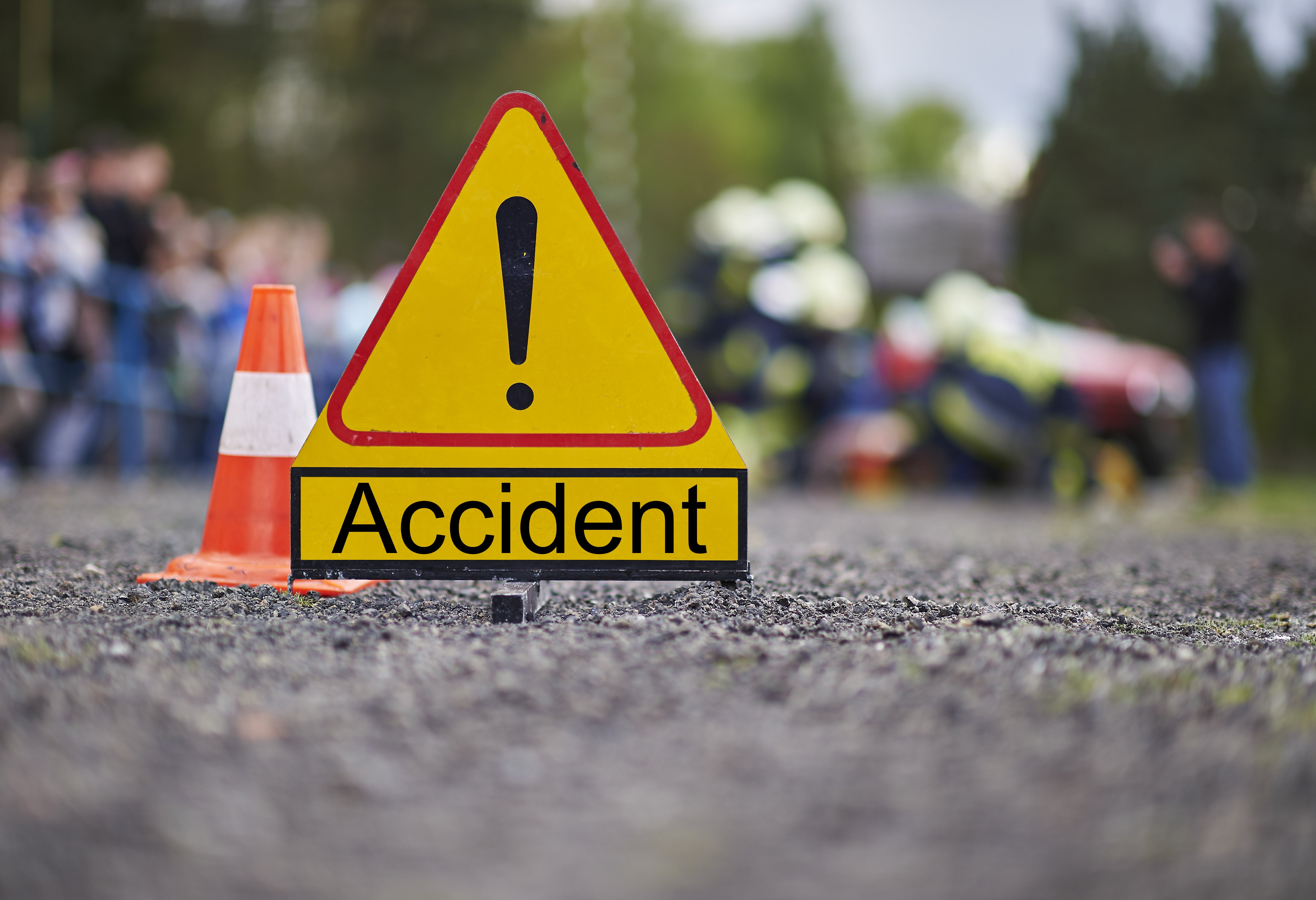 A photo of a road sign indicating an accident | Photo: Shutterstock