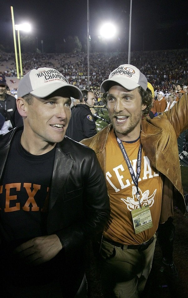 McConaughey and Lance Armstrong on January 4, 2006 in Pasadena, California | Source: Getty Images