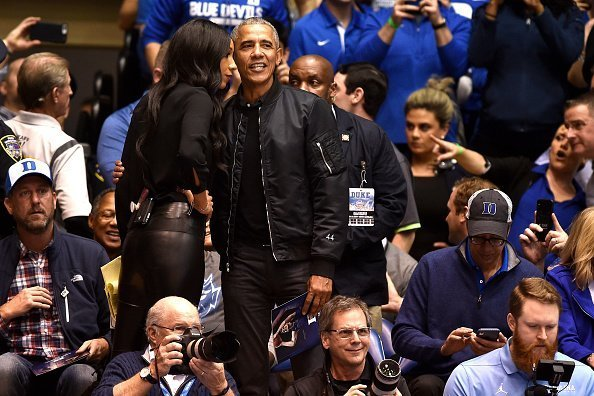 Barack Obama speaks with ESPN analyst Maria Taylor at Cameron Indoor Stadium on Feb. 20, 2019 in Durham, North Carolina |Photo: Getty Images