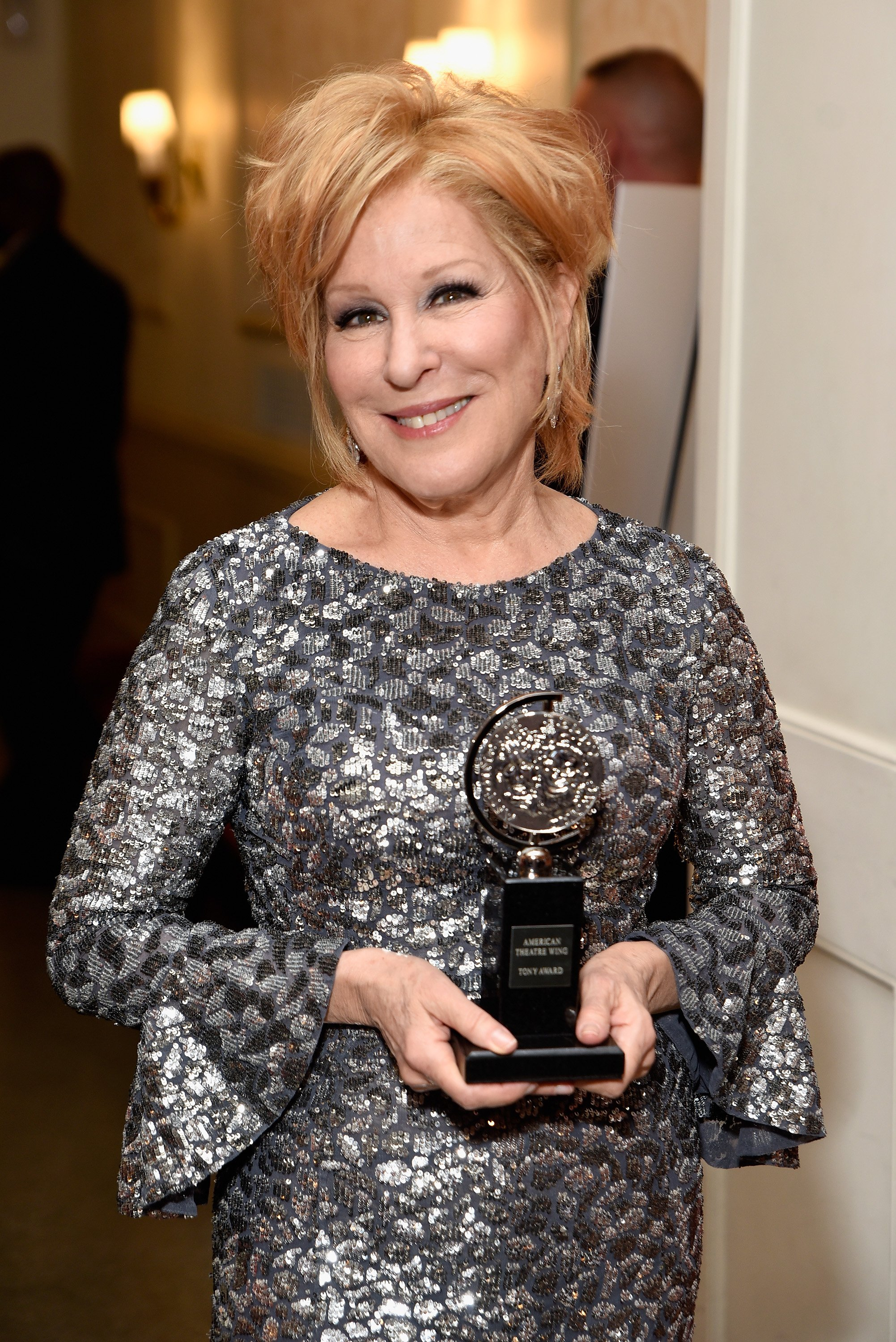 Bette Midler attend the 2017 Tony Awards on June 11, 2017. | Photo: Getty Images.