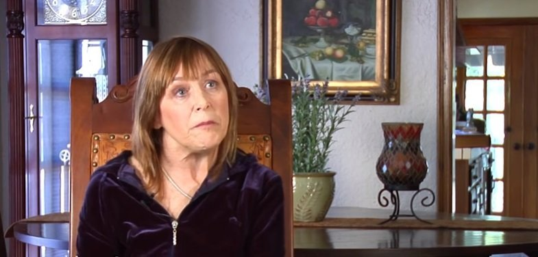 Geri Jewell speaking at a interview.| Photo: YouTube/ FoundationINTERVIEWS.