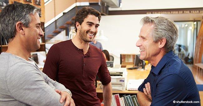 Trois pères discutaient fièrement des exploits de leurs fils quand un quatrième s'est immiscé dans la conversation