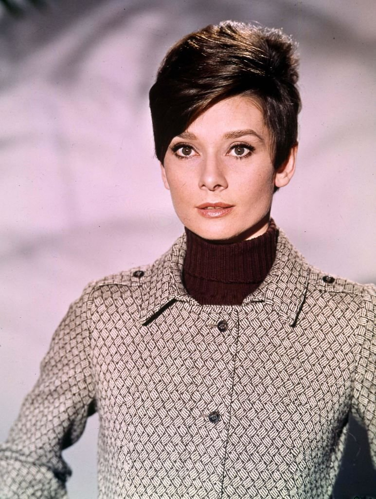 A portrait of American Actress Audrey Hepburn in a brown turtle neck and patterned shirt on  January 10, 1968. | Photo: Getty Images