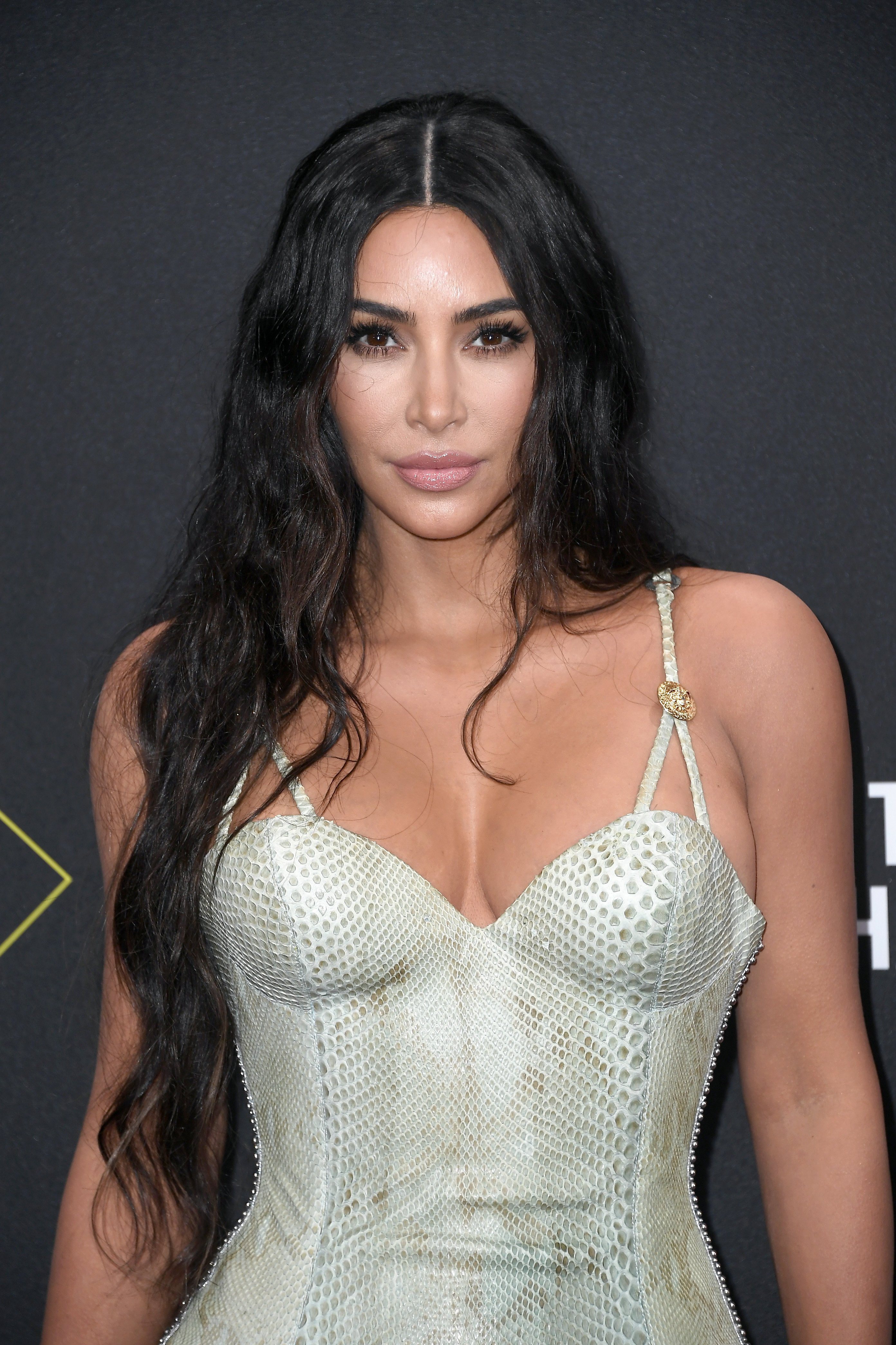 Kim Kardashian at the 2019 E! People's Choice Awards | Source: Getty Images