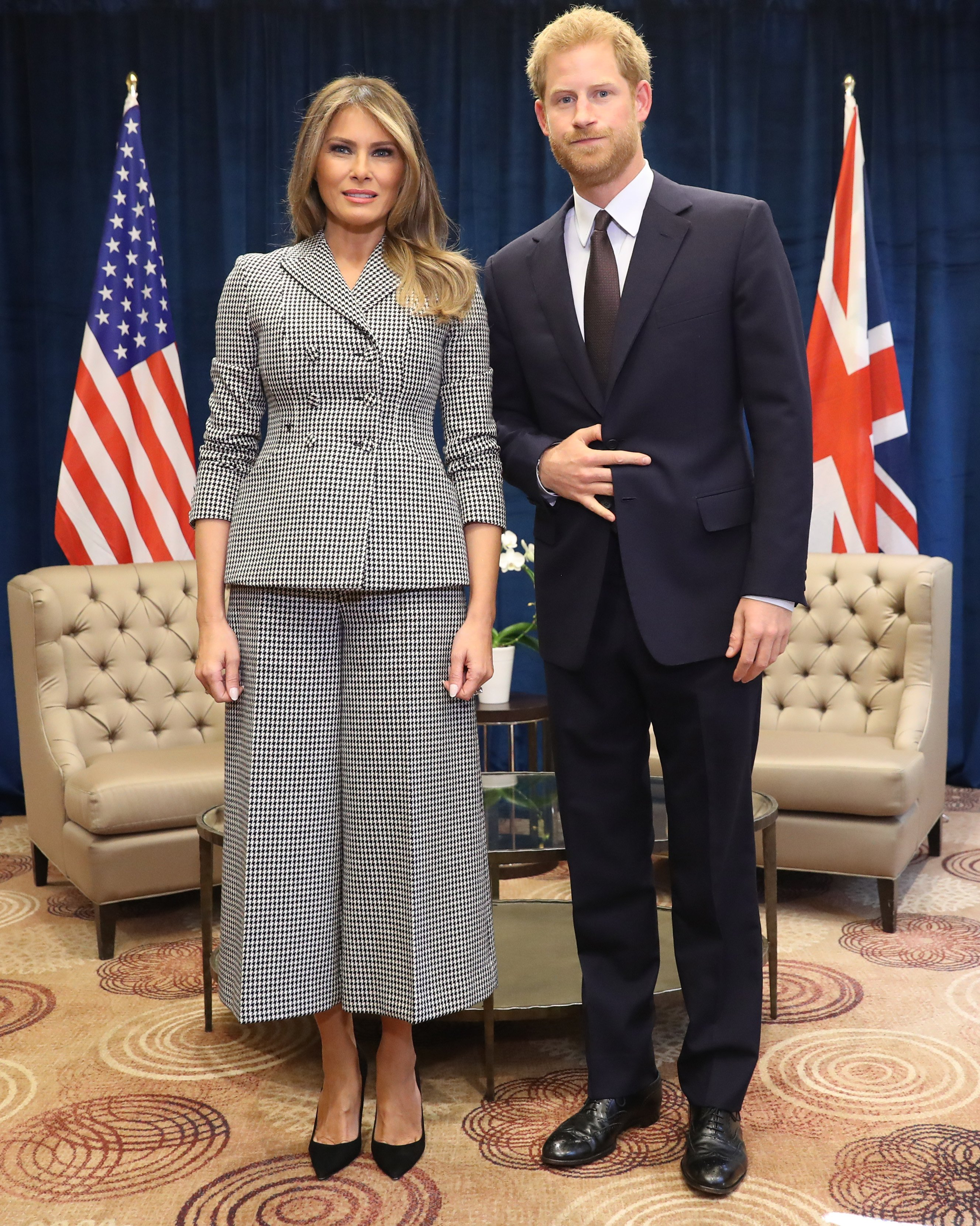 Melania Trump poses with Prince Harry at the Invictus Games in Toronto, Canada on September 23, 2017 | Photo: Getty Images