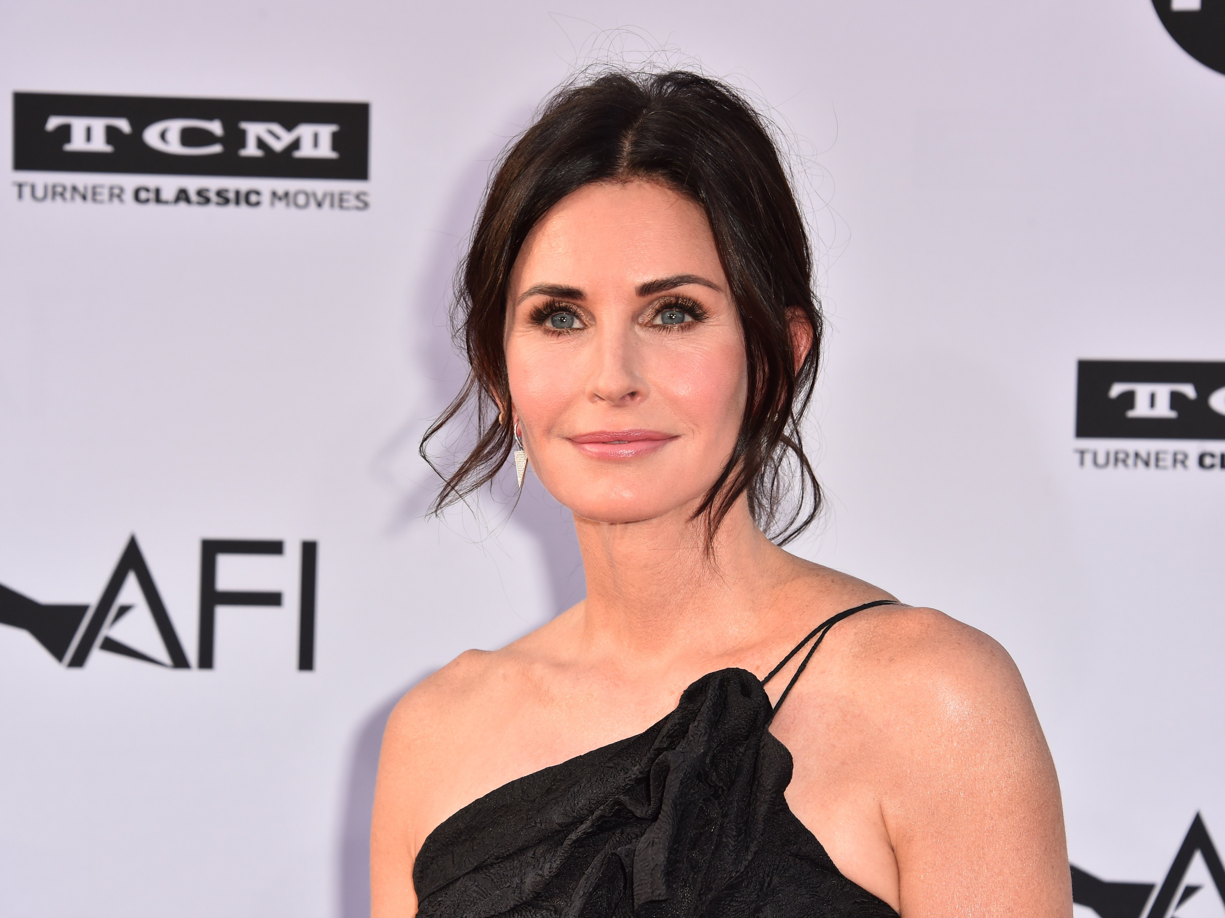 Courteney Cox attends the American Film Institute's 46th Life Achievement Award Gala Tribute to George Clooney at Dolby Theatre on June 7, 2018.   Photo: Getty Images
