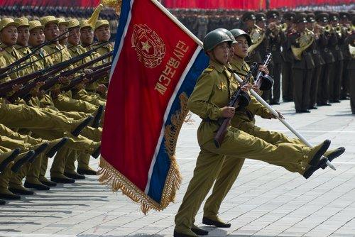 Soldados norcoreanos en el desfile militar en Pyongyang del 60 aniversario de la conclusión de la Guerra de Corea. Pyongyang, | Fuente: Shutterstock