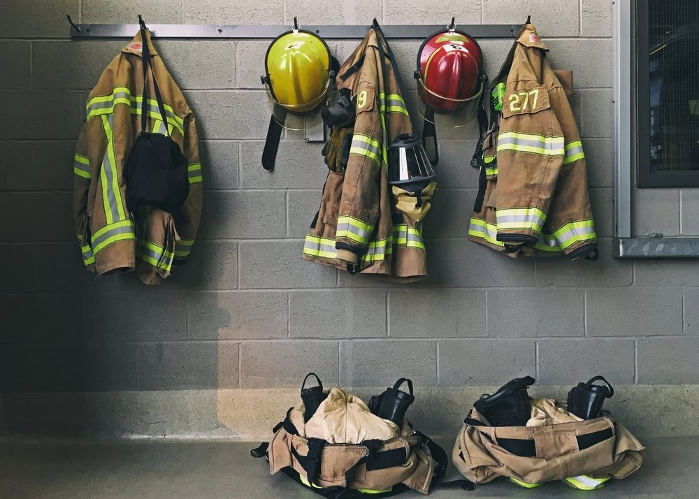 Uniformes de bomberos   Imagen tomada de: Shutterstock