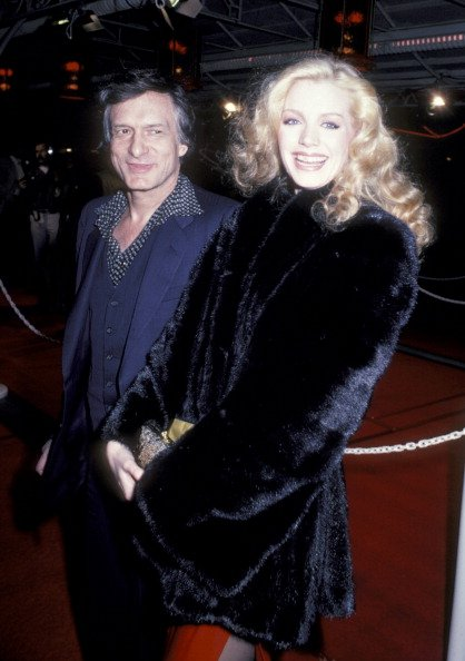 Shannon Tweed and Hugh Hefner on April 13, 1982 at Mann Chinese Theater in Hollywood, California. | Photo: Getty Images