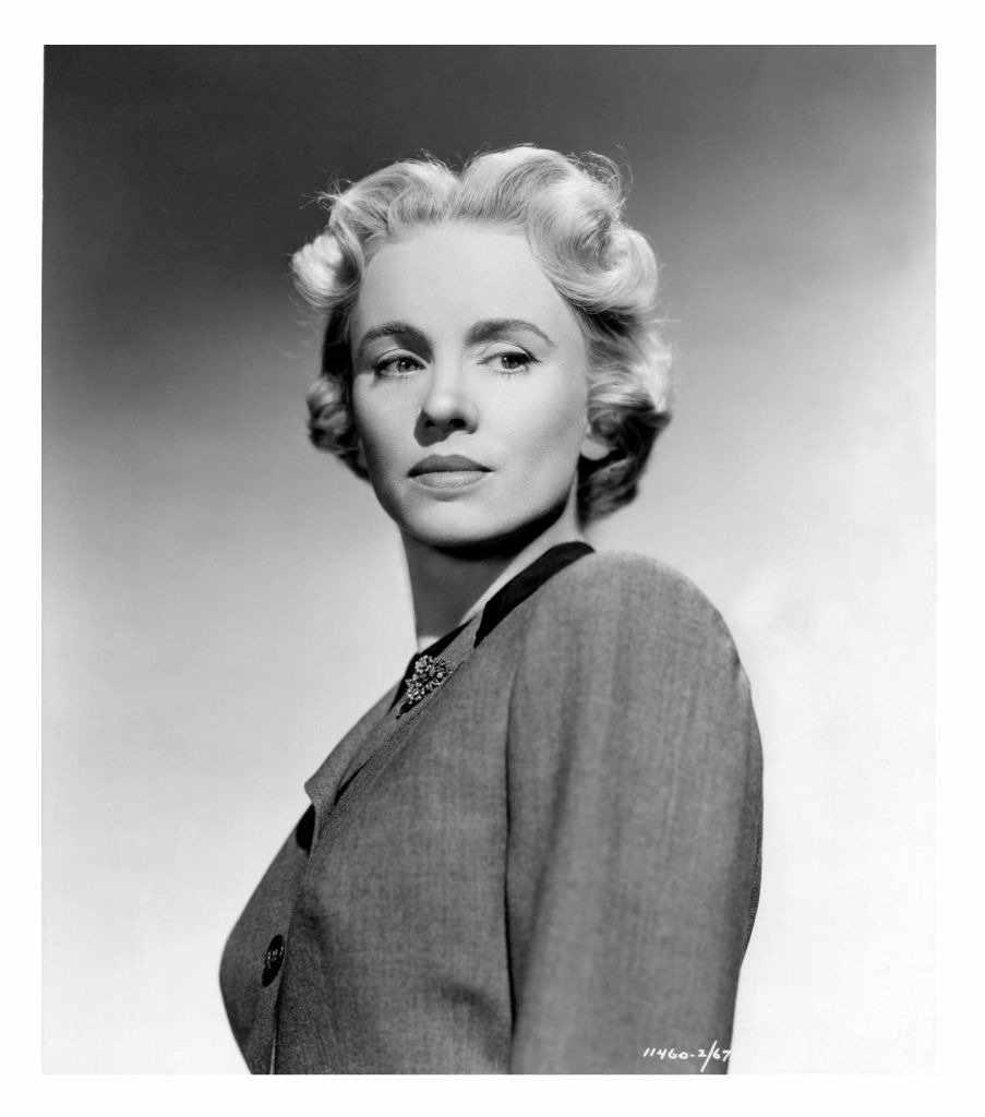 A portrait of Jessica Tandy with blonde hair on the set of the movie 'September Affair,' 1950 | Photo: Getty Images