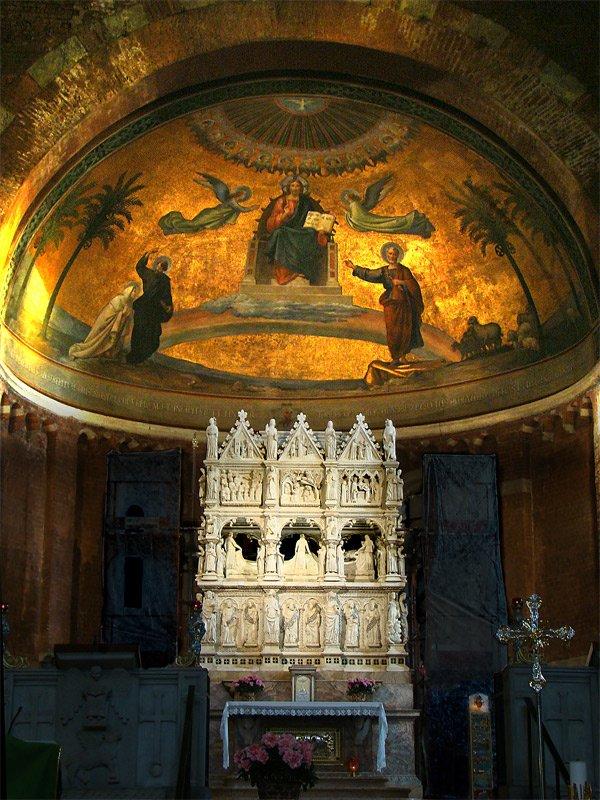 Tumba de san Agustín en la basílica de San Pietro in Ciel d'Oro, en Pavía.| Fuente: Wikipedia