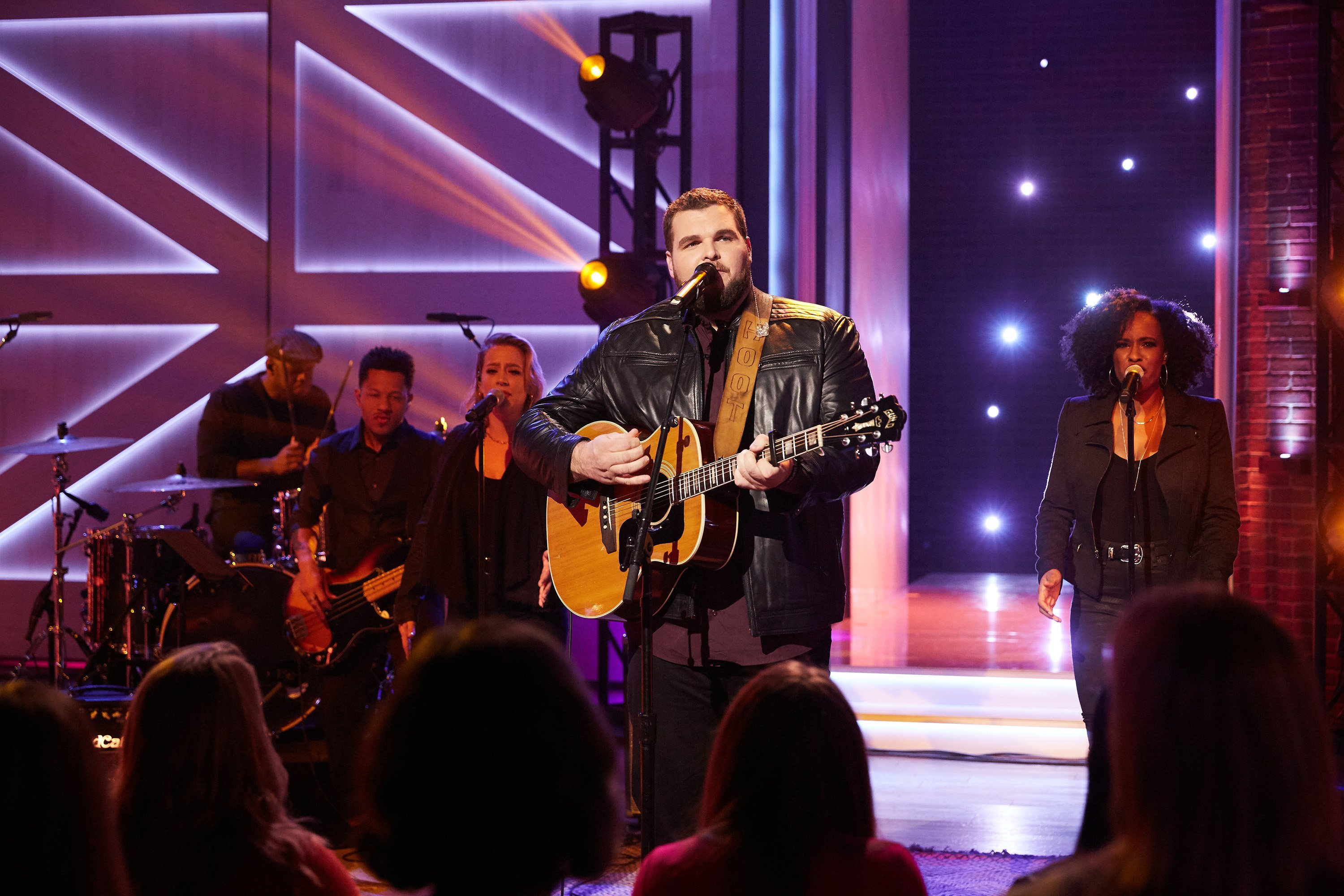 Jake Hoot on episode 3083 of The Kelly Clarkson Show | Photo: Getty Images