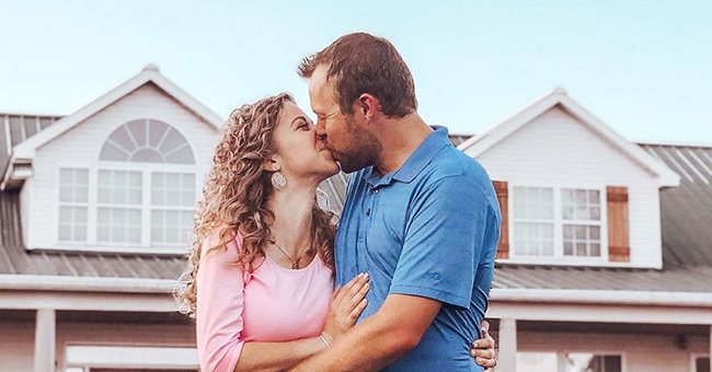 'Counting on' Stars John & Abbie Duggar Cradle Baby Bump in New Family Photos