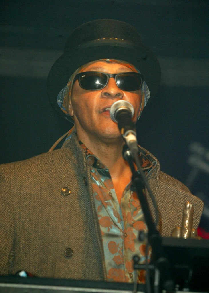 Arthur Lee, inducted into the MOJO Hall of Fame during the 2004 NME Awards show at Hamersmith Palais in London, United Kingdom | Photo: Getty Images