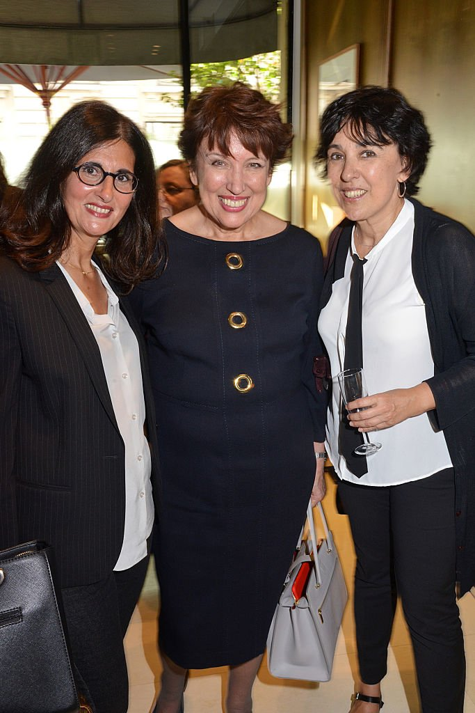 L'écrivaine Dominique Dyens, le ministre Roselyne Bachelot et Isabelle Alonso | Photo : Getty Images