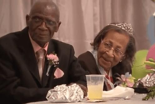 DW Williams et son épouse à l'occasion de leur célébration d'anniversaire de mariage | Photo : Youtube / Dernières nouvelles