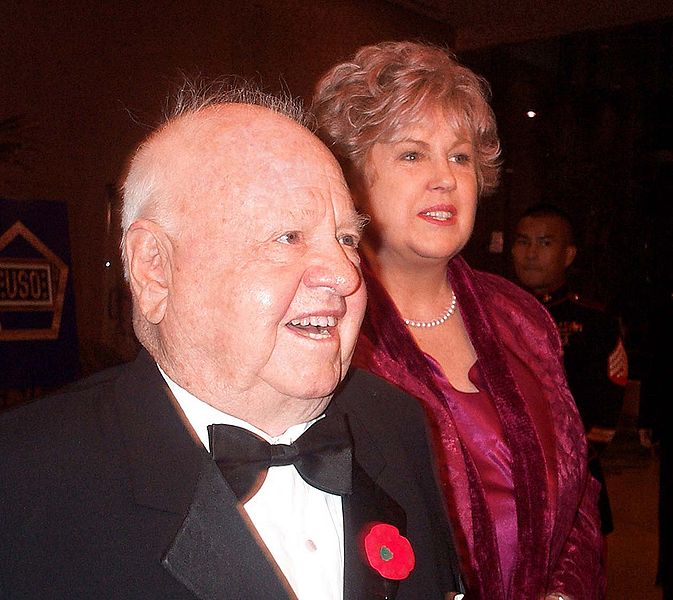 Mickey Rooney and his wife Jan in 2000. Image: Wikimedia Commons.