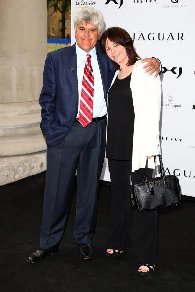 Jay Leno and Mavis Elizabeth Nicholson Leno at the Saatchi Gallery on July 9, 2009 in London, England | Photo: Getty Images