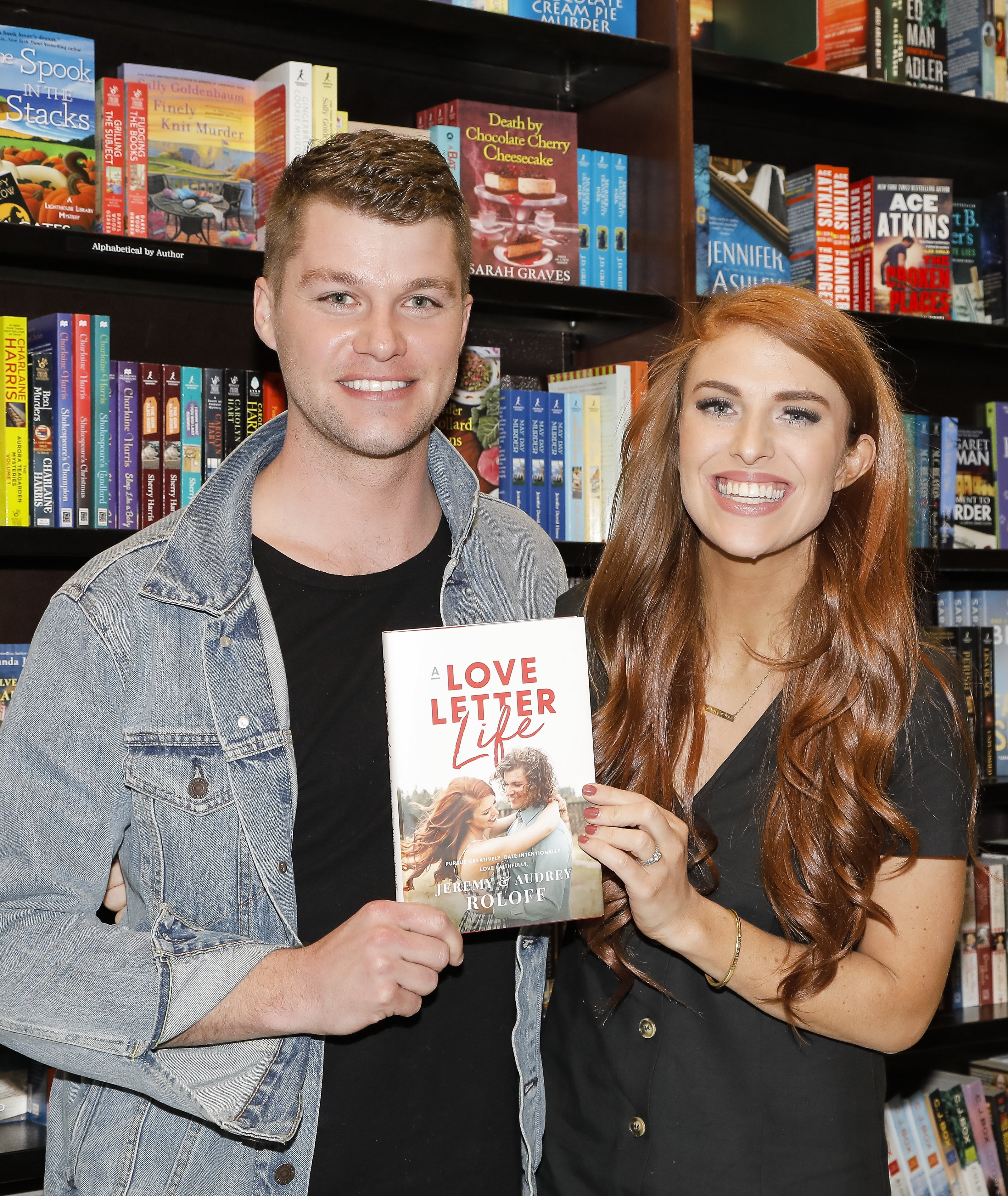 Jeremy Roloff and Audrey Roloff celebrate their new book 'A Love Letter Life' at Barnes & Noble at The Grove on April 10, 2019 | Photo: Getty Images