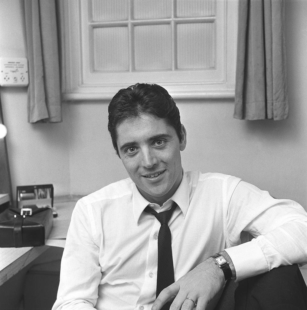 Sacha Distel en février 1966. l Source : Getty Images