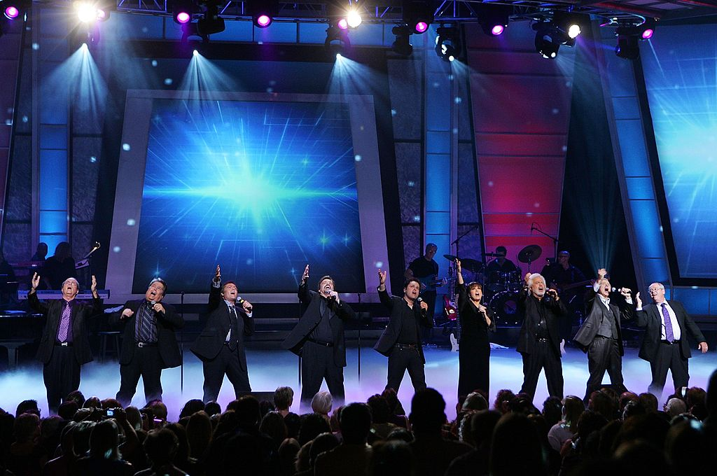 Virl Osmond, Alan Osmond, Jimmy Osmond, Jay Osmond, Donny Osmond, Marie Osmond, Merrill Osmond, Wayne Osmond and Tom Osmond, perform at the Orleans Hotel & Casino. | Photo: Getty Images