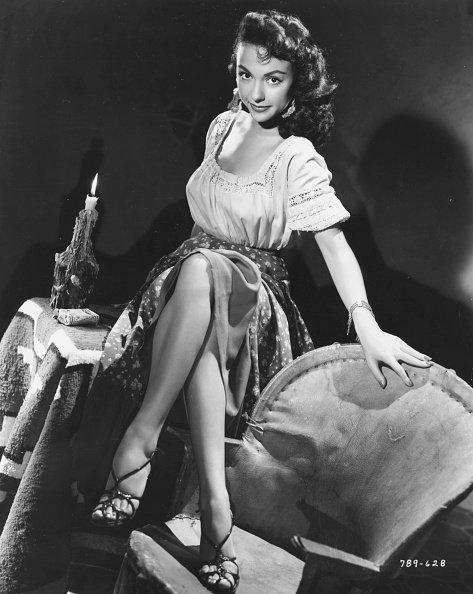 Retrato de la actriz Rita Moreno en la película 'Cattle Town', 1952. | Fuente: Getty Images.