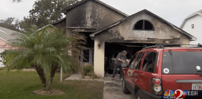 The damage on the house was intensive but not unrepairable. | Photo: Youtube/WESH 2 News