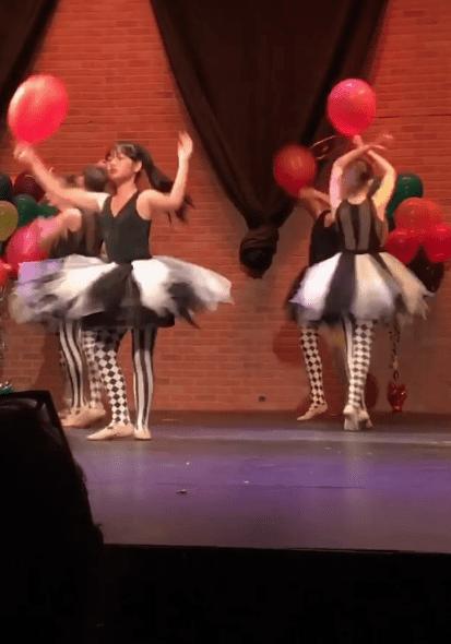 Joy Hallyday, durant sa prestation lors de son spectacle de danse.   Capture d'écran de la story Instagram/lhallyday