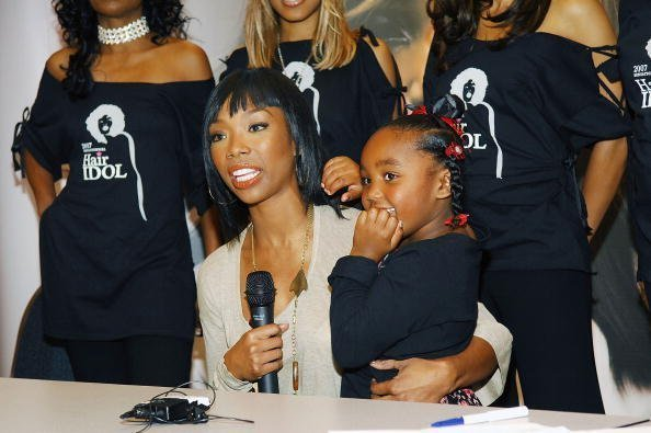 Brandy and her daughter Sy'rai at the Washington D.C. Convention Center November 11, 2007 | Photo: Getty Images