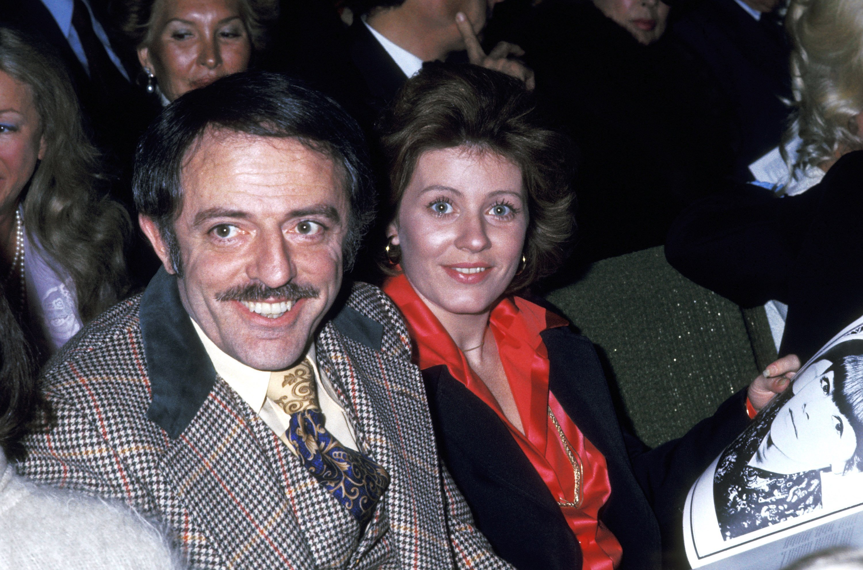 John Astin and Patty Duke on April 9, 1975 in Hollywood, California | Source: Getty Images