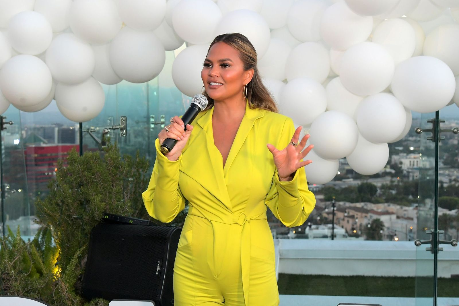 Chrissy Teigen speaks at the Quay x Chrissy Teigen launch event at The London West Hollywood on August 15, 2019 | Photo: Getty Images