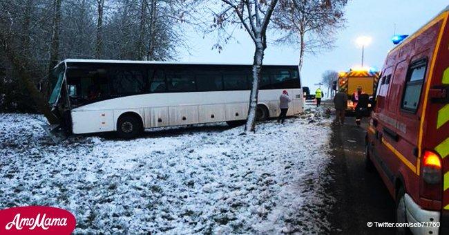 Un bus scolaire a eu un accident de la route avec un camion : sept collégiens blessés