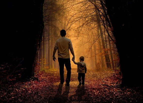 Father with his youngest son   Source: Pixabay