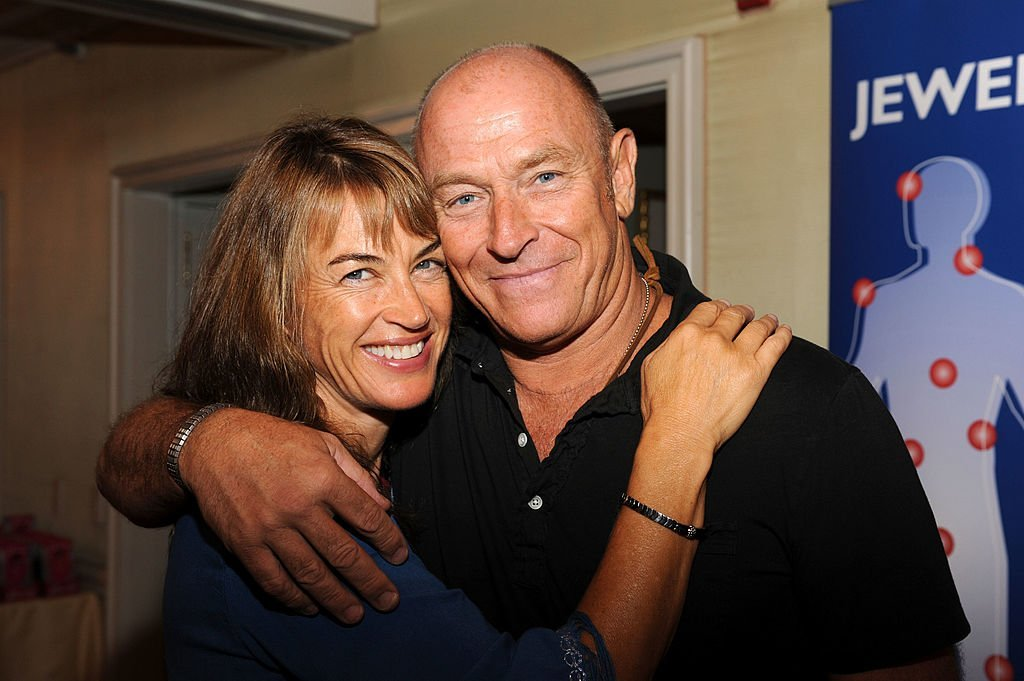 Amanda Pays and Corbin Bernsen at the DPA pre-Emmy Gift Lounge  on September 19, 2009 | Photo: GettyImages