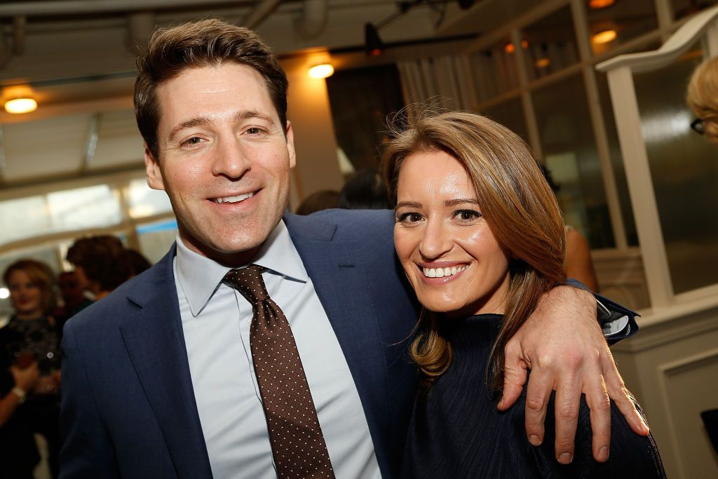 Tony Dokoupil  and honoree Katy Tur attend ELLE and Bottega Veneta Women in Washington dinner on March 22, 2017 in Georgetown. | Photo: Getty Images
