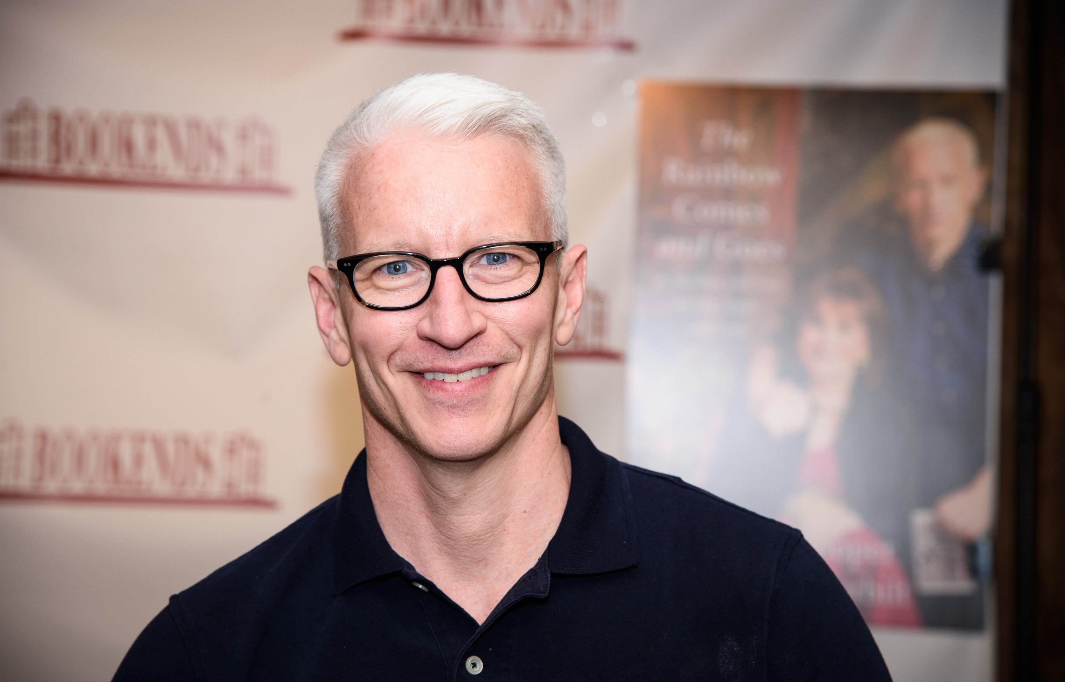 Anderson Cooper at the signing of his book at Bookends Bookstore on April 24, 2016 in Ridgewood, New Jersey | Photo: Getty images