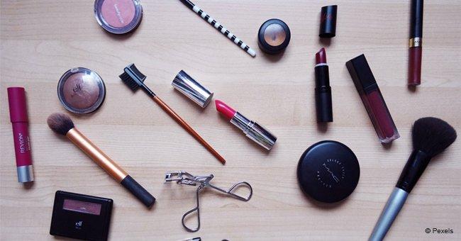 Une femme a acheté de nombreux produits de beauté pour paraître plus jeune et la réaction de son mari n'a pas de prix