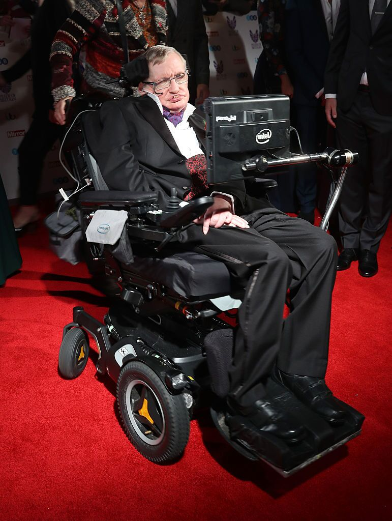 Stephen Hawking attends the Pride Of Britain awards at the Grosvenor House Hotel | Getty Images