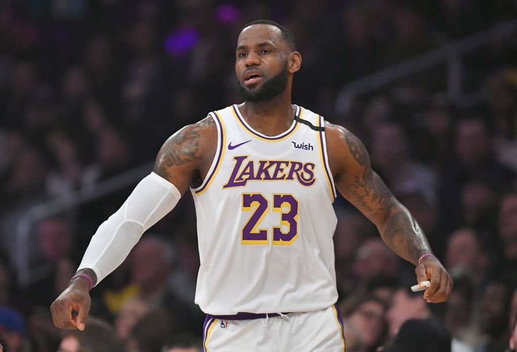 LeBron James #23 of the Los Angeles Lakers plays the Detroit Pistons at Staples Center | Photo: Getty Images