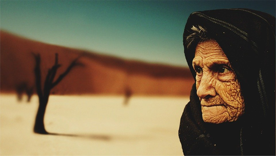 Vielle dame | Photo : Pixabay