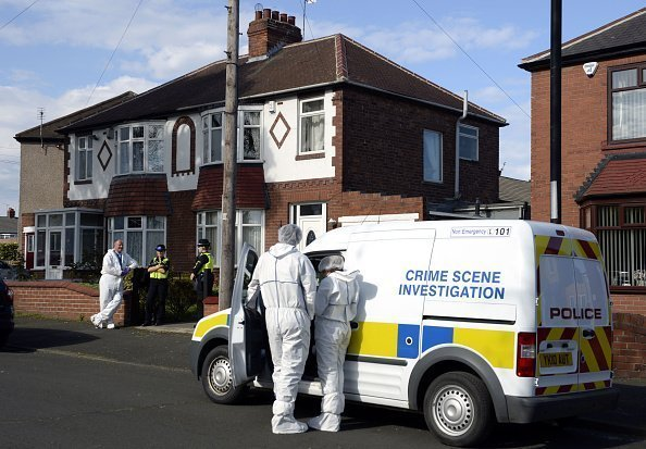 Polizisten for Haus von Claudia Lawrence | Quelle: Getty Images