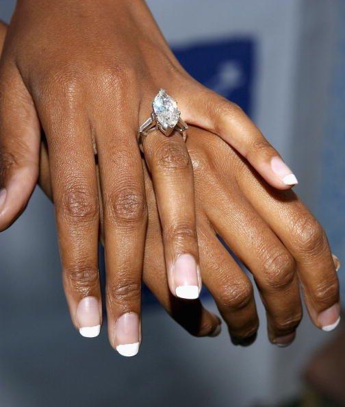 Ehepaar tauscht Ringe | Quelle: Getty Images