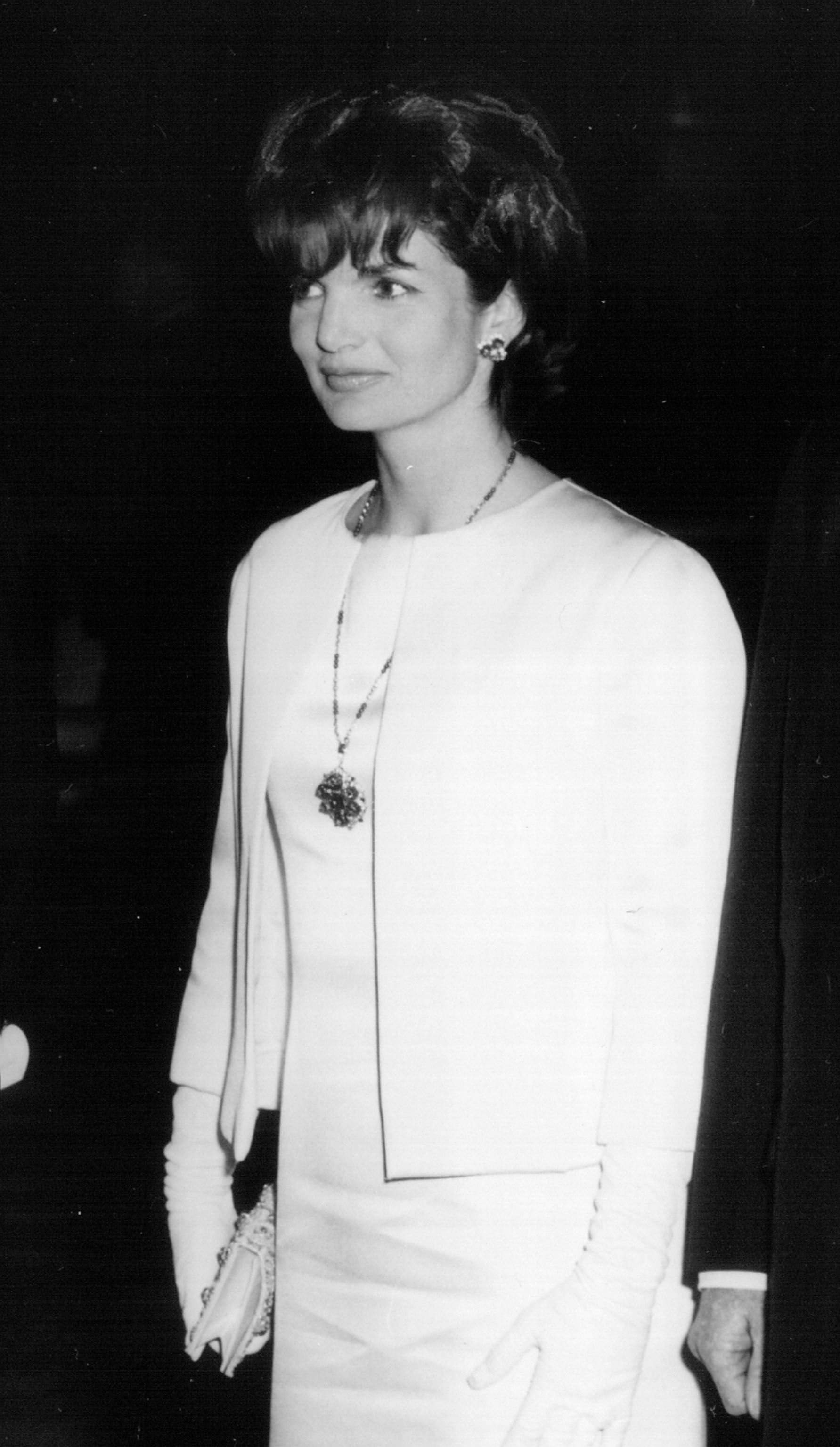 Lady Jackie Kennedy attends a White House Ceremony December 6, 1962 in Washington, DC. | Source: Getty Images