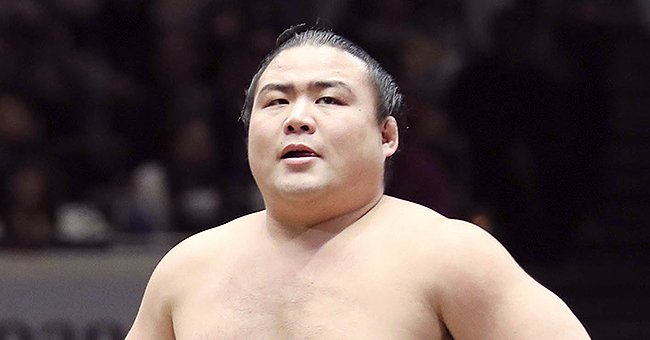 Japanese Sumo Wrestler Shobushi Dies of COVID-19 at 28 after Multiple Organ Failure
