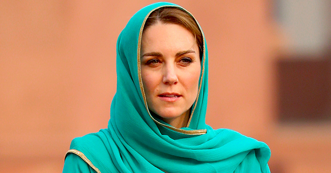 Kate Middleton Looks Radiant Wearing Turquoise Headscarf and a Traditional Pakistani Outfit
